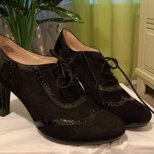 Black grannie shoes